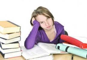 Vaincre la procrastination et passer à l'ACT dans ses études