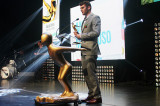 Angelo Macaluso obtient le prix Avenir personnalité premier cycle