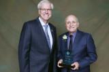 Pierre Magnan obtient le Prix d'excellence en recherche et création, volet Leadership