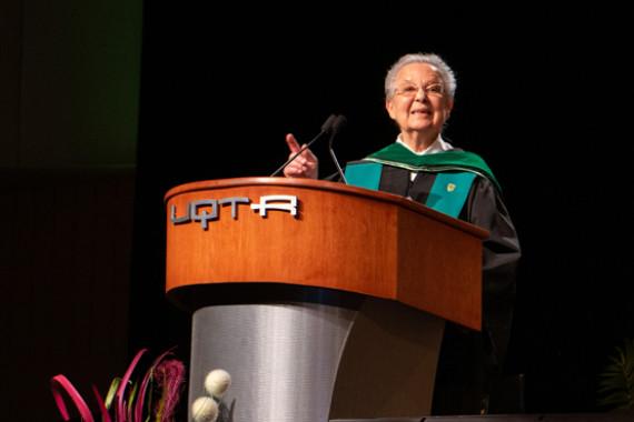Décès de sœur Estelle Lacoursière (1935-2021) L'UQTR pleure l'une de ses plus importantes figures de proue