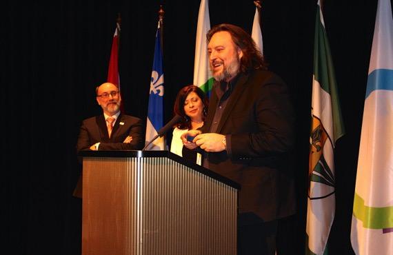 Robert Aubin, député fédéral de Trois-Rivières, Nancy Sabourin, chef des services français à ICI Radio-Canada Mauricie et Bryan Perro, écrivain, éditeur et conteur.