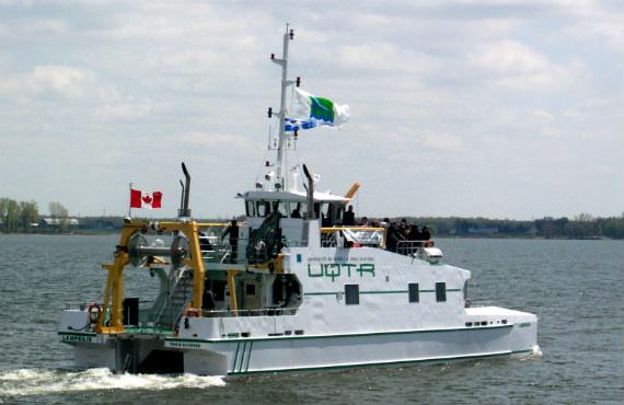 La Lampsilis est le navire de recherche de l'UQTR.