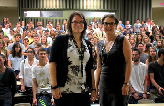 Anabel Demers, conseillère en développement international au Bureau de l'international et du recrutement (BIR) et Marie-Claude Trépanier, responsable à la mobilité internationale au BIR.