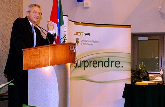 Clément Duhaime, Administrateur d'État au ministère des Relations internationales et de la Francophonie du Québec et Administrateur de l'Organisation internationale de la Francophonie de 2006 à 2015.