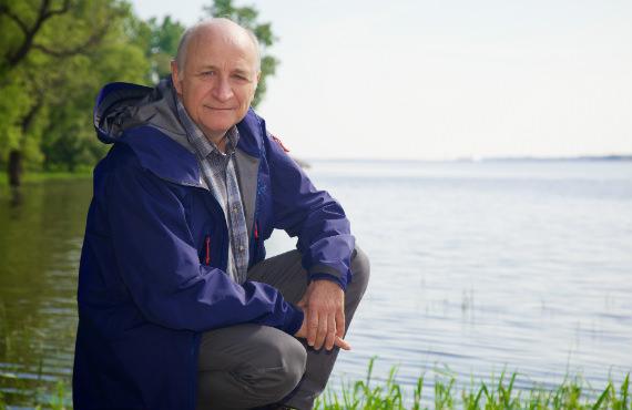 Pierre Magnan est professeur au Département des sciences de l'environnement de l'UQTR. (Photo: Mathieu Marchand)