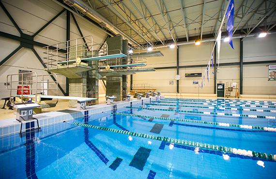 Des cours de natation pour toute la famille en t te uqtr for Piscine cours de natation